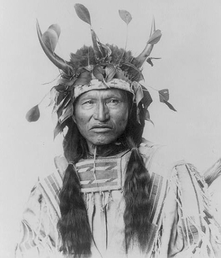 Kicking Bear, a key proponent of the Ghost Dance among the Lakota, said special ghost shirts would protect dancers from the white man's bullets.