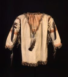 lakota-ghost-dance-shirt_buffalo-bill-center